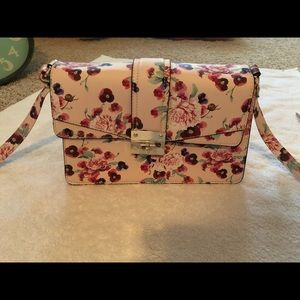 NWOT MOSSIMO FLORAL PURSE